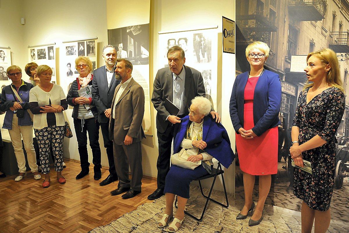 Różne światy – jedna historia, czyli wystawa o Żydach Zagłębia Dąbrowskiego