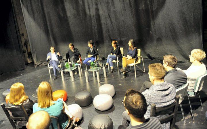"""Czy artyście wolno więcej? – dyskusja w Teatrze Zagłębia z """"Klątwą"""" w tle"""