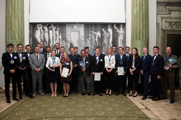 Duży ogólnopolski sukces uczniów Staszica