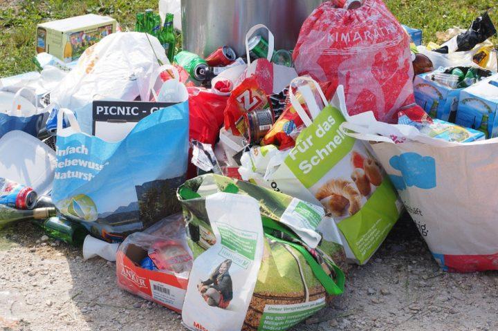 Jest nowela ustawy śmieciowej. Za niesegregowane śmieci trzeba będzie zapłacić cztery razy więcej