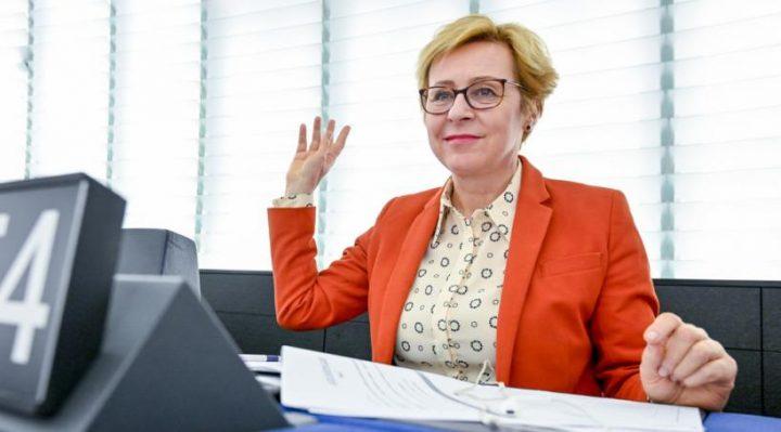 Wiśniewska: poparcie dyrektywy o prawie autorskim to głos za cenzurą prewencyjną