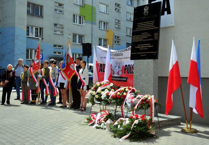 Odsłonięcie tablicy upamiętniającej Żołnierzy Wyklętych – fotorelacja