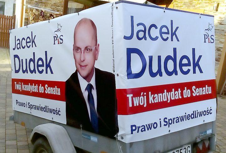 """W Sosnowcu służby miejskie """"aresztują"""" materiał wyborczy kandydata Prawa i Sprawiedliwości"""